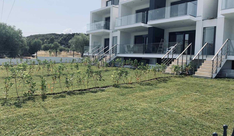εξωτερική αποψη κήπος 2
