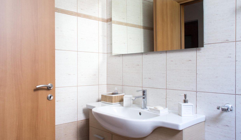 28 Bathroom