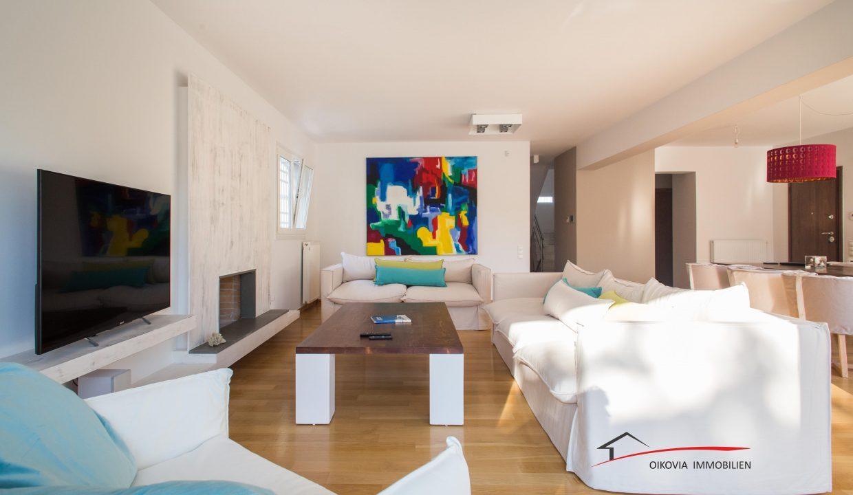 41 Colour paint in canvas