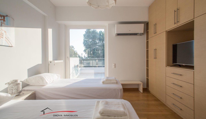 64 Room 1