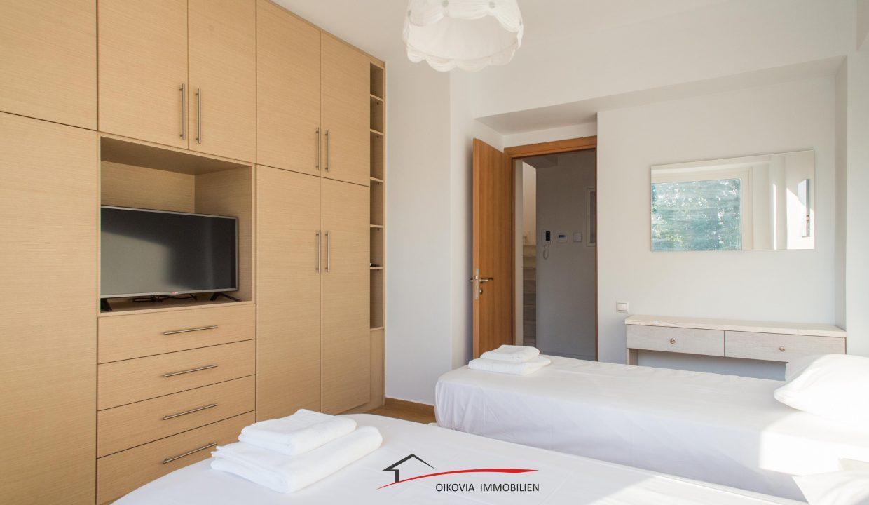 66 Room 1